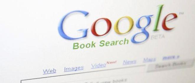 Google est notamment accusé de mettre en avant ses propres services (vidéos de sa filiale YouTube, voyages, avis sur des restaurants) dans les résultats de recherche qu'il propose aux internautes.