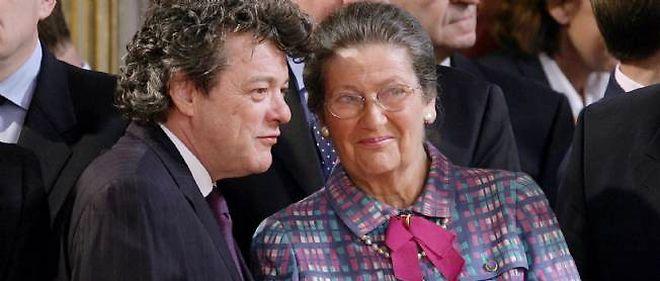 Jean-Louis Borloo et Simone Veil, le 5 mai 2006 à Paris.