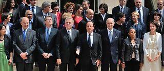 Le gouvernement Ayrault et François Hollande prenant la pose, le 4 juillet dernier. ©Witt