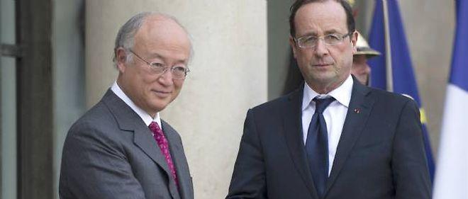 """""""La situation actuelle est préoccupante, mais il est important de continuer à rechercher une solution diplomatique"""", a déclaré Yukiya Amano sur le perron de l'Élysée."""