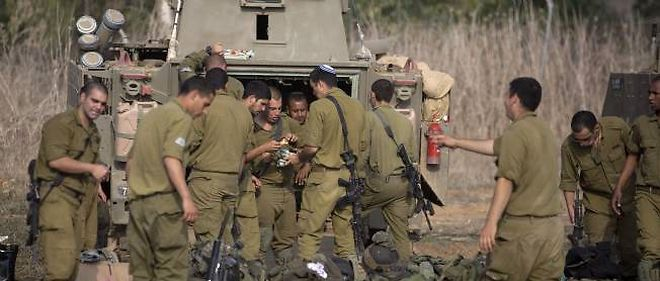 Les forces militaires israéliennes massées à la frontière avec Gaza ont amorcé leur retrait à la faveur de la trêve négociée entre l'État hébreu et le Hamas.