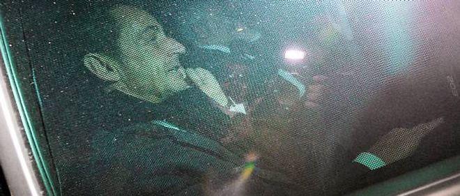 Nicolas Sarkozy à la sortie du palais de justice de Bordeaux, jeudi soir.