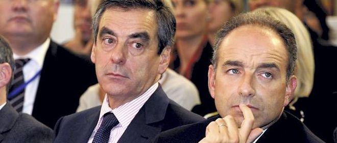 Les deux prétendants à la présidence de l'UMP perdent encore des points, notamment auprès des sympathisants de droite.