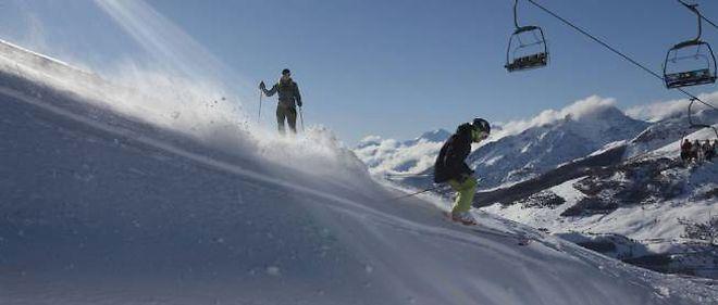 Malgré la tentation de la neige fraîche, mieux vaut rester sur les pistes balisées.