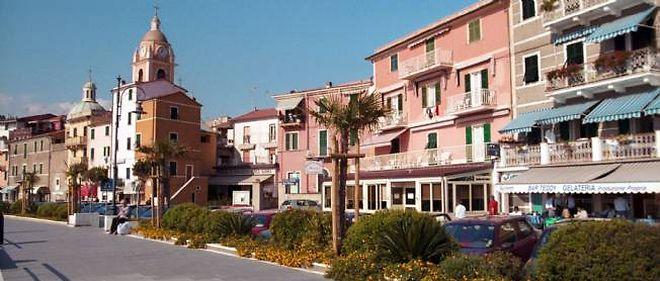 La ville de San Terenzo, dans le nord de l'Italie.