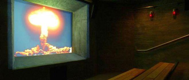 Photo de l'une des explosions nucléaires réalisées aux alentours de Las Vegas.