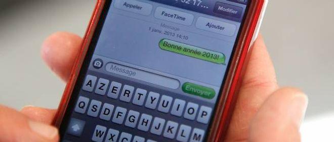 Les Français se sont envoyé des SMS pour se souhaiter bonne année.