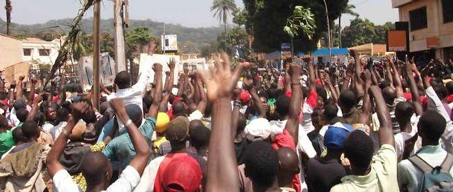 Les rebelles contrôlent une large partie du pays et réclament le départ du président François Bozizé.