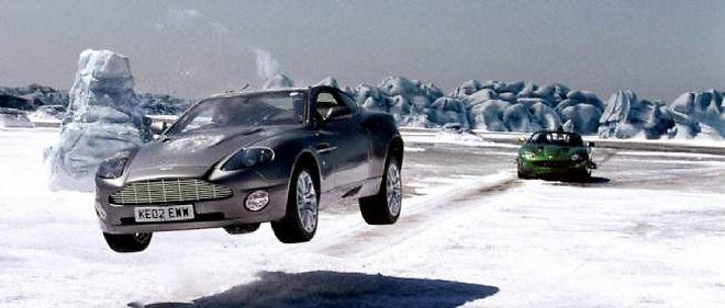 James Bond : Aston contre Jaguar