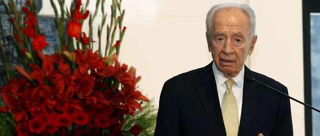 Shimon Peres, lors d'une réception des chefs des Églises chrétiennes, le 31 décembre 2012 à Jérusalem.