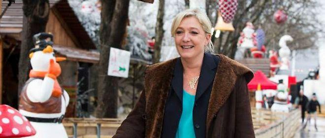 """Pour Marine Le Pen, """"mondialisation sauvage"""" est synonyme de """"règne absolu de la finance"""" et de """"l'argent roi""""."""