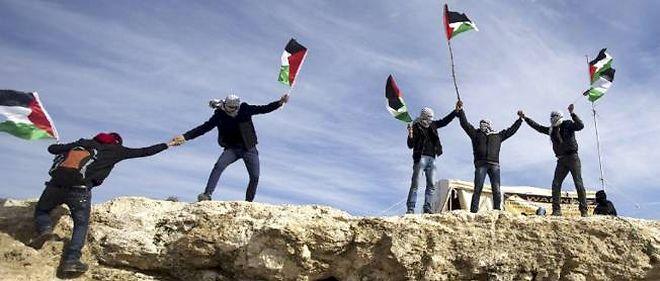 """Le """"Village Bab al-Chams"""" avait été dressé il y a une semaine par des militants palestiniens sur le site d'un projet israélien de colonisation."""