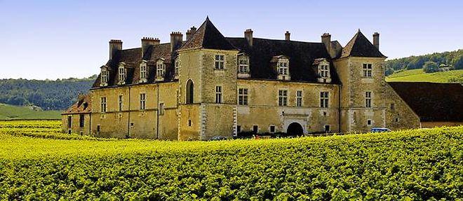 Bourgogne - Château du Clos Vougeot ©Olivier Poncelet - Fotolia