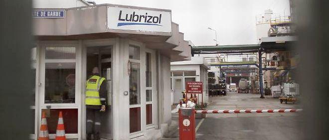 L'entrée de l'usine Lubrizol de Rouen, d'où s'est échappé du gaz mercaptan, mardi 22 janvier.