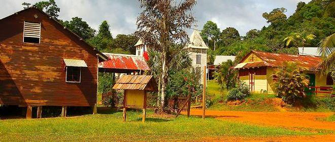 Le village de Saül s'oppose à la mine d'or qui doit voir le jour sur son sol.
