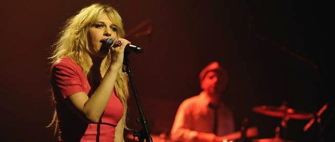 La chanteuse Amandine Bourgeois représentera les couleurs de la France à l'Eurovision cette année.