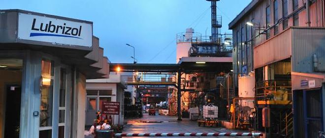 La fuite importante de gaz mercaptan depuis l'usine Lubrizol située à Rouen n'est pas dangereuse, selon le ministère de la Santé.