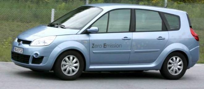 Renault a déjà en 2008 développé un Scénic fonctionnant avec une pile à combustible alimentée en hydrogène. Une technologie partagée avec Nissan. Aujourd'hui, Ford et Mercedes sont donc associés à ce développement coûteux.
