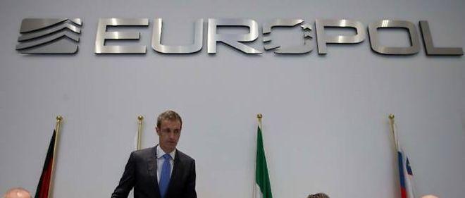 Europol a révélé l'existence d'un réseau criminel soupçonné d'avoir truqué 380 matches de football dans toute l'Europe.