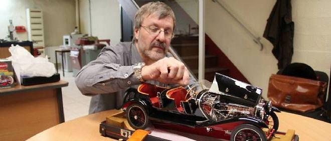 Christian Gouel a mis deux ans à façonner la reproduction de la Bugatti Type 30.