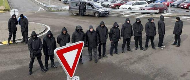 Les vigiles privés déployés par la direction de PSA à l'usine d'Aulnay ont fortement accru la tension avec les grévistes.