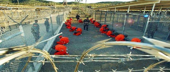 La prison de Guantánamo, ici en 2002. Elle n'a jamais été fermée par Barack Obama ; c'était pourtant une promesse de campagne pour sa première élection. © McCoy / AFP