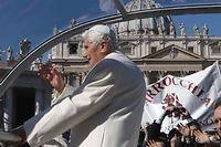 Benoît XVI sur la place Saint-Pierre, mercredi matin. ©Alessandra Tarantino