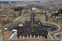 la place Saint-Pierre de Rome vue depuis le dôme de la basilique, dimanche matin. ©Vincenzo Pinto