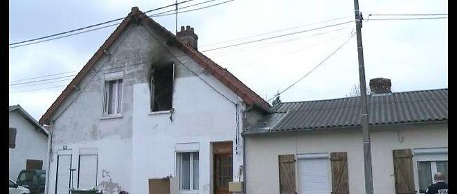 Le premier étage a été ravagé par les flammes dans cette maison à Saint-Quentin, dans l'Aisne, faisant cinq petites victimes.