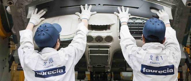 C'est au tour des représentants des salariés de l'usine Faurecia d'Auchel, dans le Pas-de-Calais, de contester le plan social de PSA. Photo : l'usine de Faurecia, détenue à 57,4% par PSA, en Chine qui fournit Peugeot et Citroën.