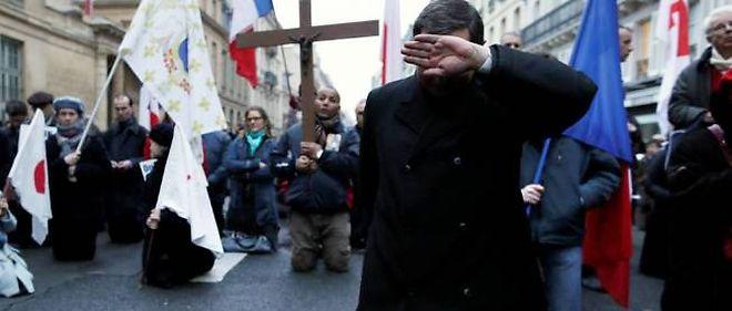 Des prières ont eu lieu devant le Sénat à l'appel de l'Institut Civitas.
