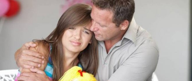 Les parents consultent de plus en plus de psychiatres, de psychanalystes et autres spécialistes pour recueillir des conseils sur leur manière d'éduquer leurs enfants.