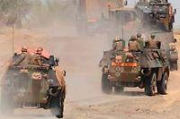 Un convoi de soldats au Mali, le 4 février. © Pascal Guyot / AFP