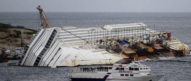 """Le """"Costa Concordia""""."""