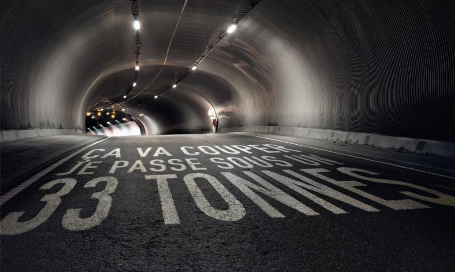 La campagne d'Aviva sur les méfaits du téléphone au volant a le mérite d'être claire sans trop en faire