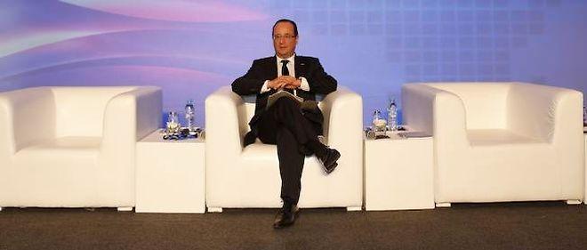 François Hollande s'aime-t-il ? Thème de la chronique de Philippe Labro cette semaine