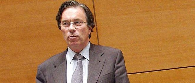 Claude Évin a tenu à clarifier la situation avec les laboratoires à l'époque où Jérôme Cahuzac travaillait pour lui.