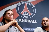 Mikkel Hansen (gauche), l'international danois sacré meilleur joueur du monde en 2011, et Didier Dinart (droite), triple vainqueur de la Ligue des champions et double champion olympique avec les Bleus. ©Franck Fife