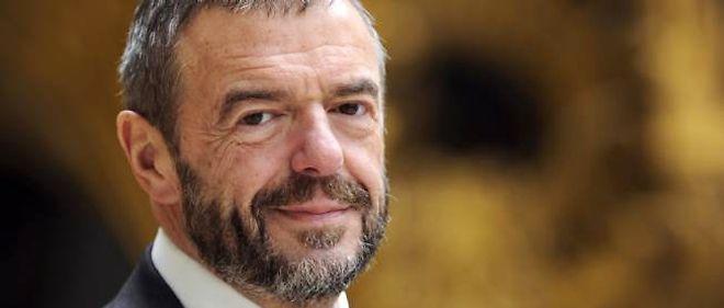 Jean-Paul Cluzel a été directeur de l'Opéra de Paris et président de Radio France. Il est actuellement président de l'établissement public de la Réunion des musées  nationaux et du Grand Palais.