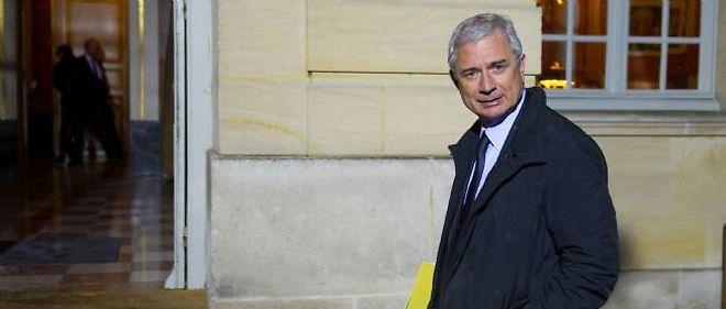 """Bartolone """"déconseillerait"""" à Cahuzac de présenter sa candidature à la députation"""