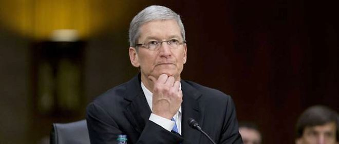 Tim Cook, le numero un d'Apple, mardi, face a la commission d'enquete du Senat a Washington