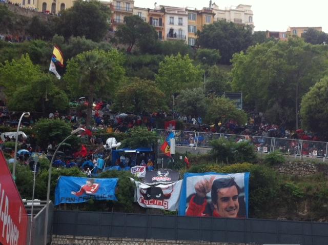 Les supporters de Fernando Alonso ont déjà investi les collines avec force banderolles