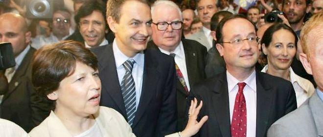 Pierre Mauroy, entouré de François Hollande, Martine Aubry, Ségolène Royal, en 2005.