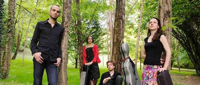 Le Quatuor Voce (Sarah Dayan, violon ; Cécile Roubin, violon ; Guillaume Becker, alto ; Florian Frère, violoncelle). En concert le 22 juillet à l'abbatiale d'Uzerche.