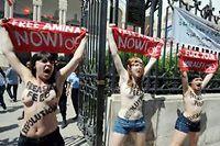 Les trois Femen ont promis de ne pas recommencer. ©FETHI BELAID