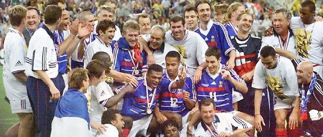 L'équipe de France de football a remporté son premier et unique titre de champion du monde le 12 juillet 1998.