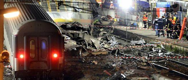 Aucun RER C ne circulait lundi matin entre Savigny-sur-Orge et Brétigny, où un train a déraillé vendredi, faisant six morts.