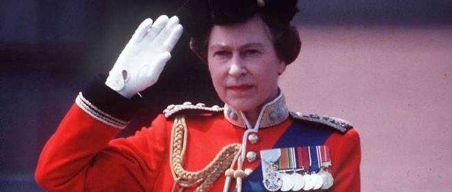 Elizabeth II en juin 1983, le jour du Trooping the Colour, à Londres.