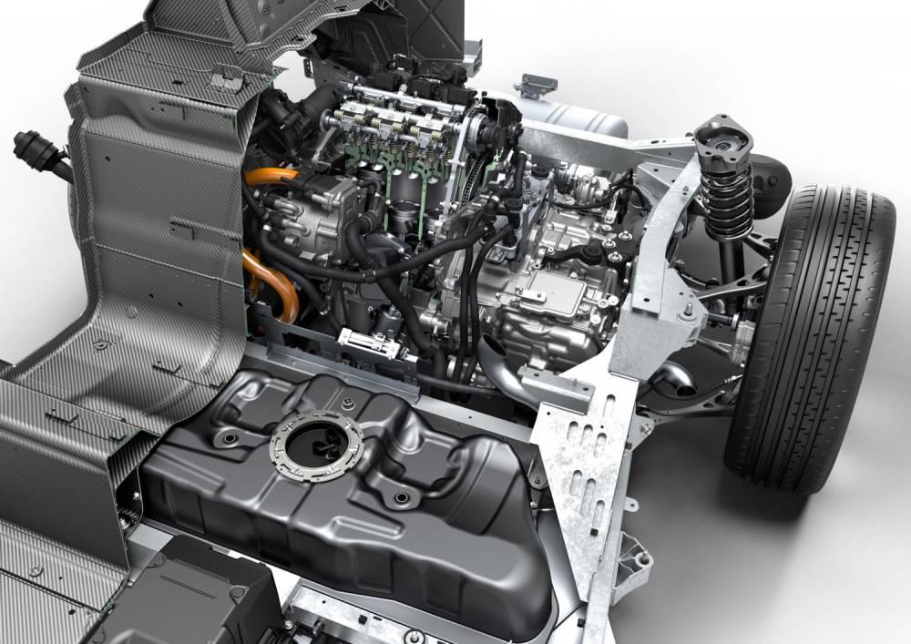 Le moteur 3 cylindres turbo essence et sa boîte Aisin automatique 6 rapports entraînant les roues arrière dérivent de la Mini ©  BMW