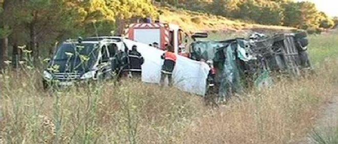 Un accident d'autocar sur l'autoroute A9 à hauteur de Fitou a fait deux morts et une trentaine de blessés dans la nuit de samedi à dimanche.